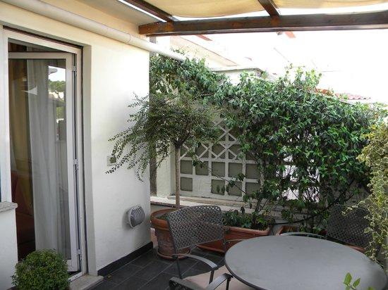 Best Western Plus Hotel Spring House: Patio