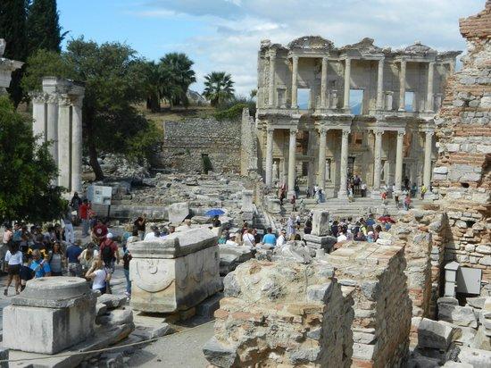 Ephesus Travel Guide - Private Ephesus Tours: Library