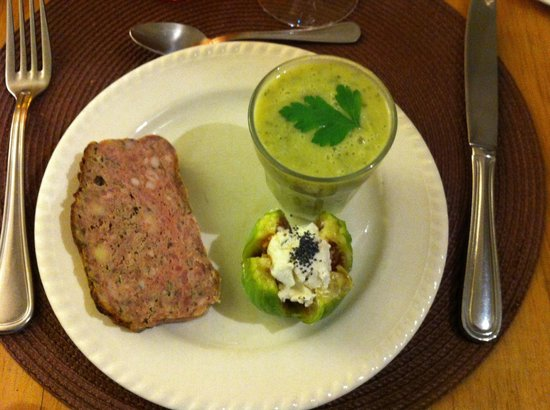 Le comptoir de balthazar : Tasty starter including creamed fig.