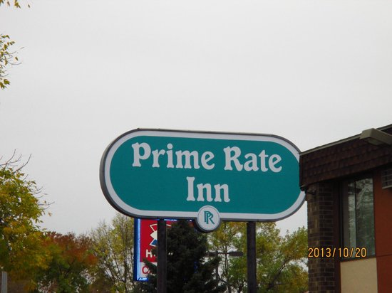 Prime Rate Inn - Burnsville: outside grounds