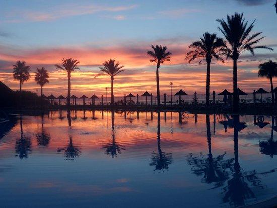 Holiday Village: sunrise