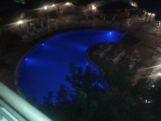 Marbel Hotel : Pool 2