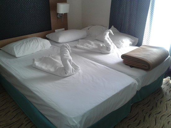 Marbel Hotel : Room