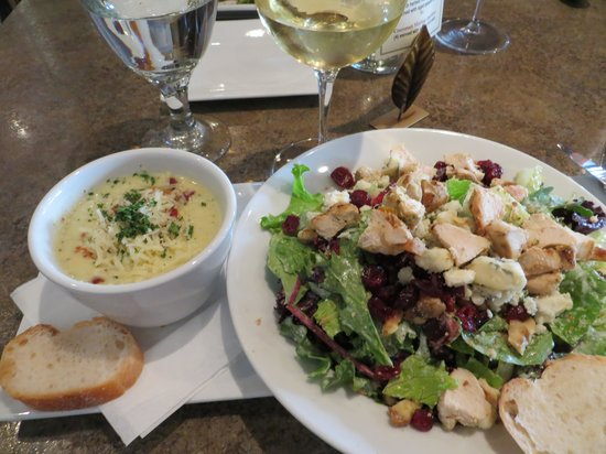 The Twisted Cork: Soup and salad