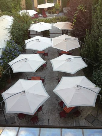 Hotel Relais dell'Orologio : Patio/outside dining area