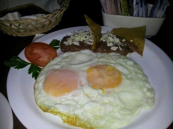 Mision San Miguel de Allende: desayuno