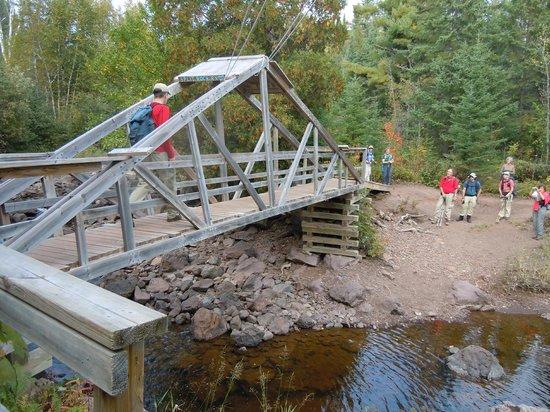 Split Rock Loop Trail: Suspension bridge over the Split Rock River - one at a time, please!