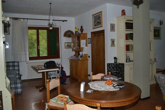 Bed & Breakfast Villa I Ciliegi: Salotto e sala pranzo