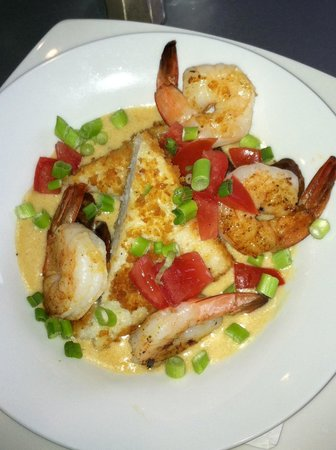Cafe Mirage: Shrimp and grits / perfection!