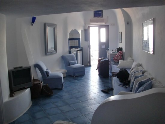 Arc Houses: Our friends' room
