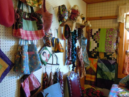 Louise's Place: Crafts at Louisa's Coffee House
