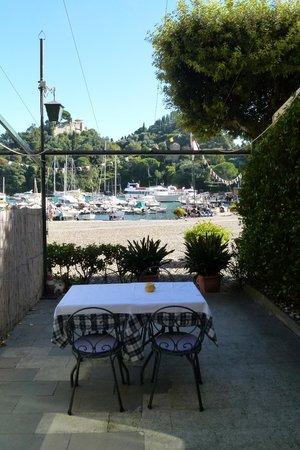 Albergo Nazionale : Our private deck to the piazza