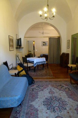 Albergo Nazionale : Looking into the room from the piazza