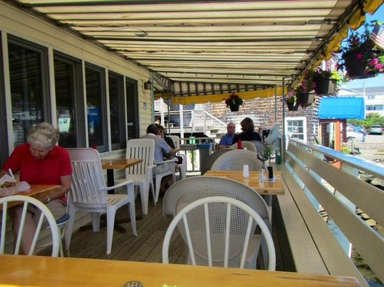 Blue Moon Cafe: The outside deck