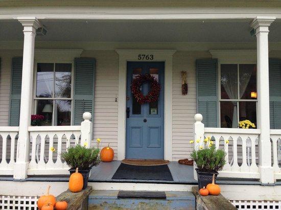 The Woodbridge Inn: A warm fall welcome