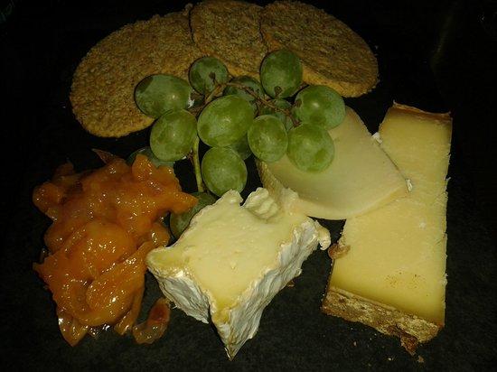 Sante Wine Bar and Restaurant: Cheeseboard.