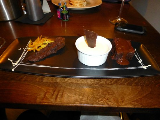 Sante Wine Bar and Restaurant: Dessert.