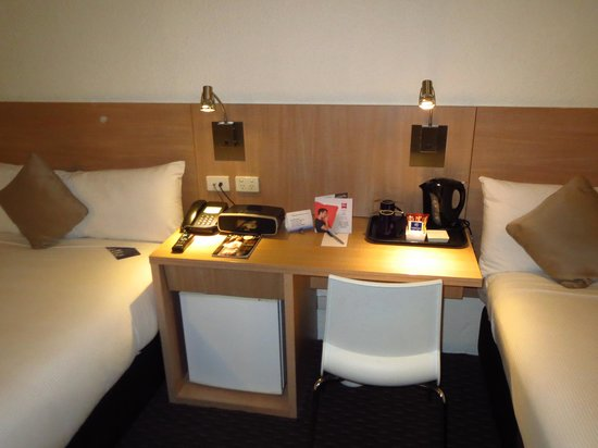 Hotel Ibis Sydney Airport: Work desk