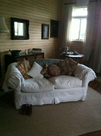 McGowans B & B: very comfy couch