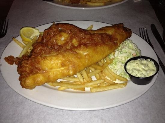 Benjamin's Restaurant and Raw Bar: Awesome Fish N' Chips!