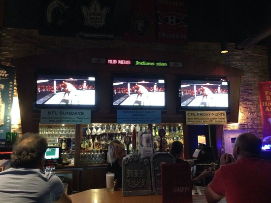 Boston Pizza: Ufc 166 at BP