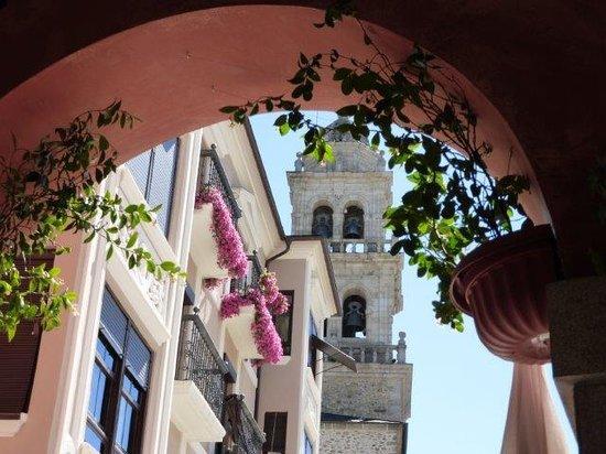 Hostal Virgen de la Encina: The church