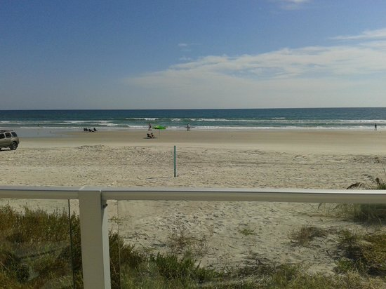 Lotus Boutique Inn & Suites Daytona Beach / Ormond Beach : beach view from the jacuzzi