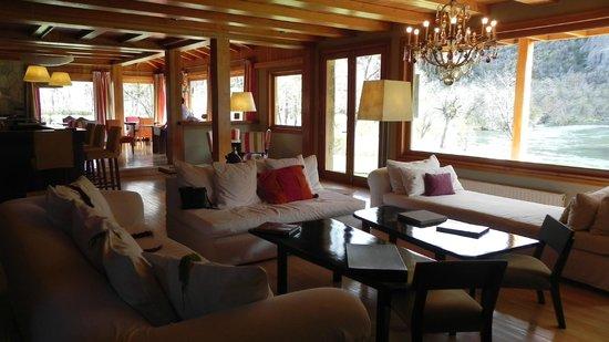 Rio Hermoso Hotel de Montana: Hermoso estar con una vista incomparable
