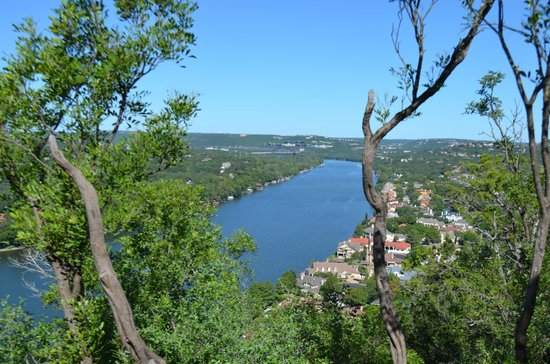 Mount Bonnell : Daytime view from Mt Bonnell