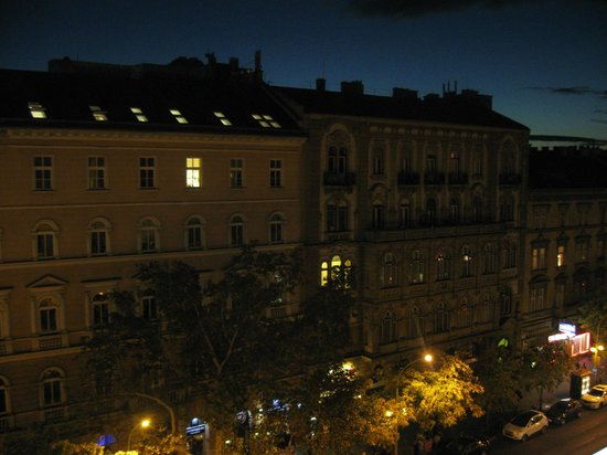 Radisson Blu Beke Hotel, Budapest: View from the room