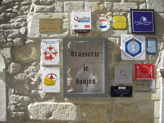 Brasserie Le Donjon: お店の看板