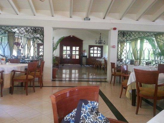Grand Bahia Principe El Portillo: Restaurante Buffete