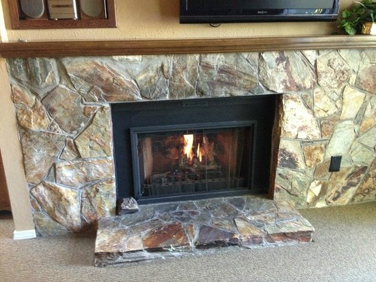 Wyndham Flagstaff Resort : Loved the fireplace!