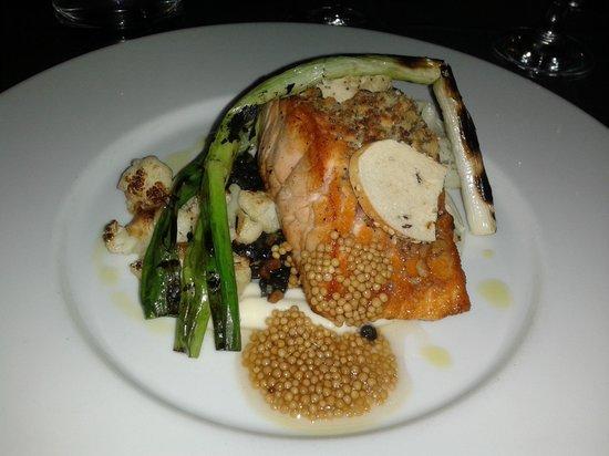 Brassaii : Salmon main