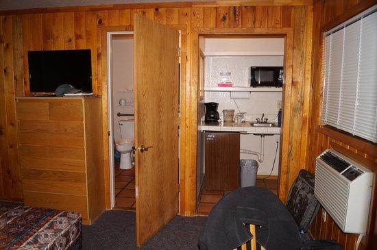 Red Stone Inn: Inside second room