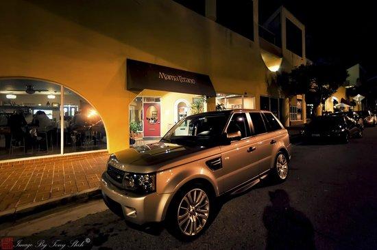 Mama Terano: Street Side Parking