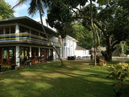 Elephant Stables: Hotel grounds