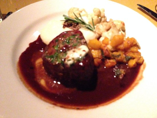Trattoria Delia: The filet with truffle mash potatoes - just excellent!