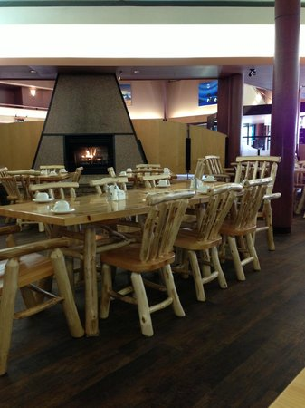 Niska Dining Room and Lounge: Some of the lovely, rustic furniture