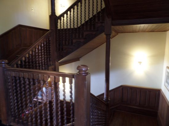 Jekyll Island Club Hotel: Wooden staircase if you don't want to use elevator