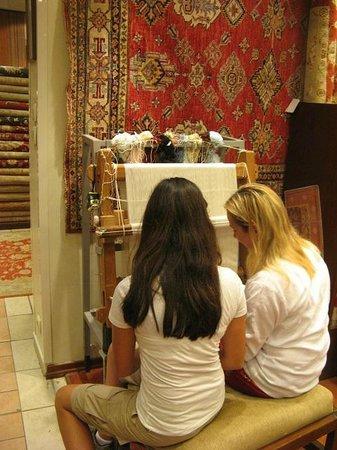 Nesime Kaya/ Private Day Tours : Helping Make a Carpet