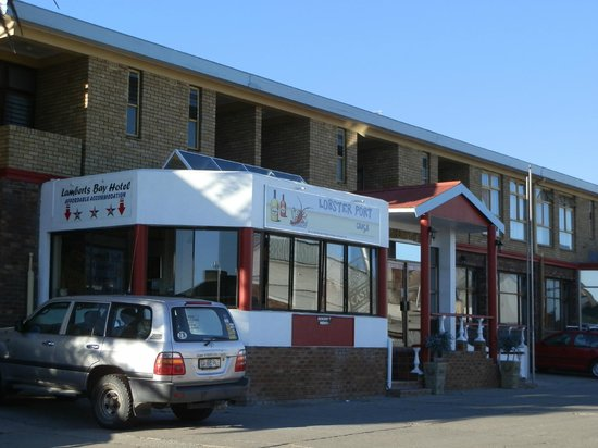 Lamberts Bay Hotel: front of hotel