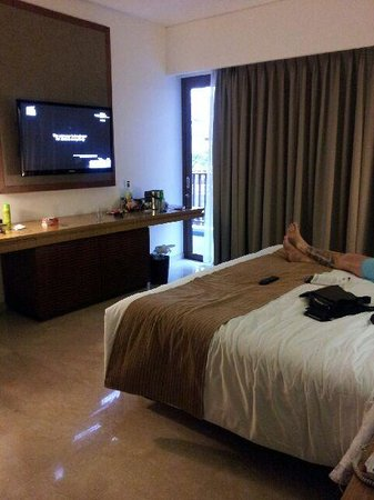 The Magani Hotel and Spa : Deluxe room with sliding door to Balcony