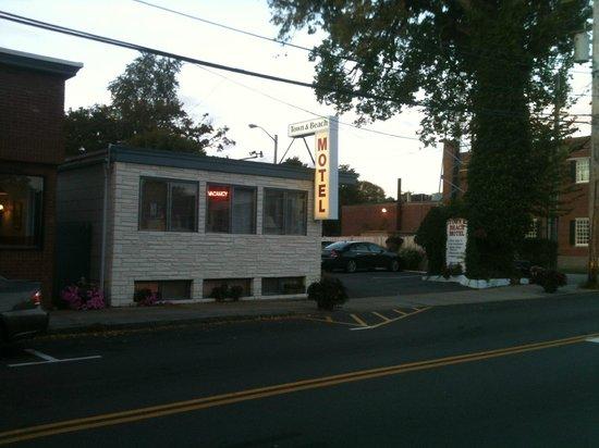 Town and Beach Motel: Localização privilegiada