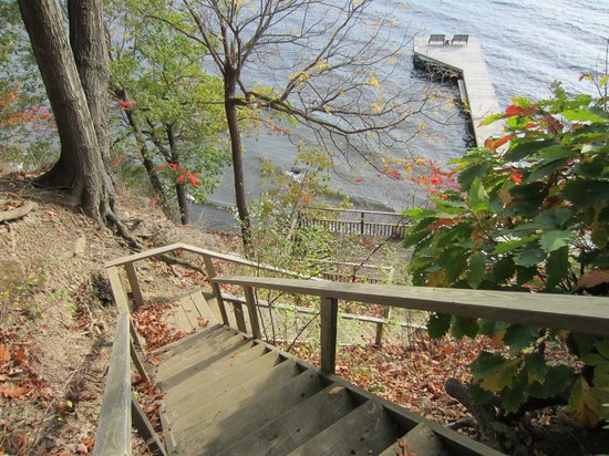 The Pearl of Seneca Lake B&B: It just keeps going...