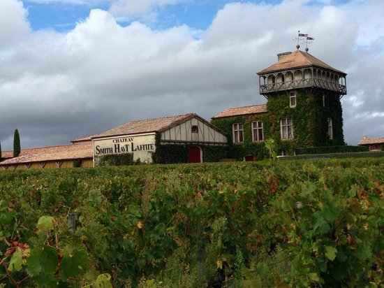 Chateau Smith Haut Lafitte: Beautiful well kept Chateau