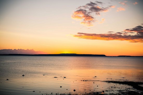 Holiday Inn Express St. Ignace-Lake Front : Sunrise