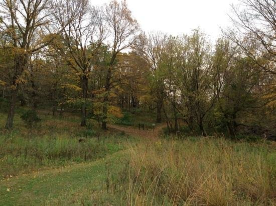 Oxbow Park and Zollman Zoo: hiking trail