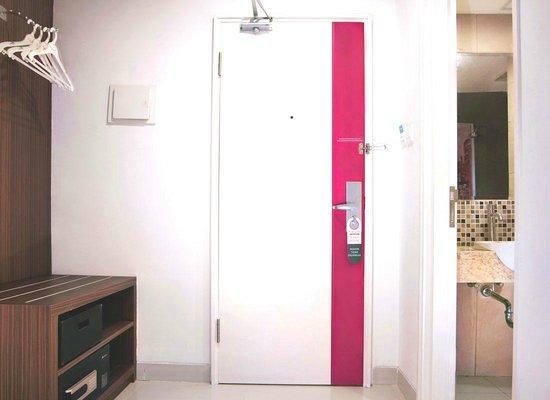 favehotel PGC Cililitan : Standard Rack