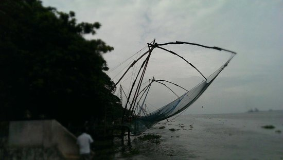 Eighth Bastion Hotel: Chinese fishing nets at Kochi harbour